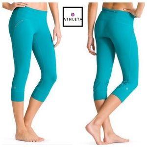 ATHLETA Relay Capri croppep leggings